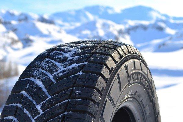 Michelin Agilis Crossclimate 22565 R16 112 R C Voidapl